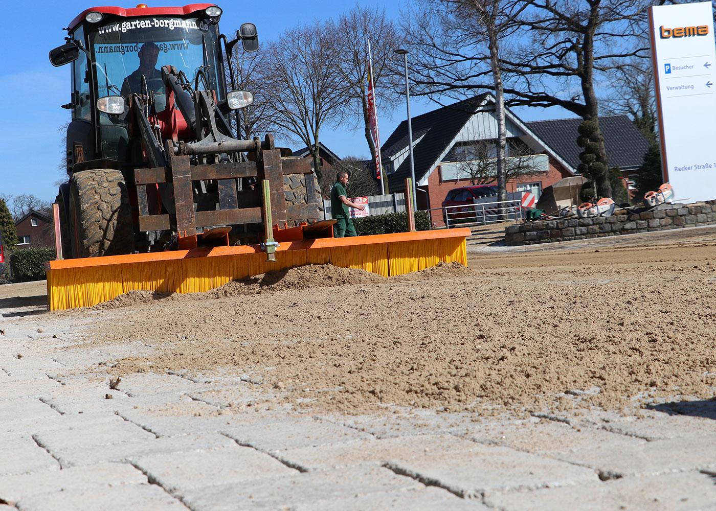 210330_bema_11_Multi-Clean_Einsatz_Sand_einkehren_0044.jpg